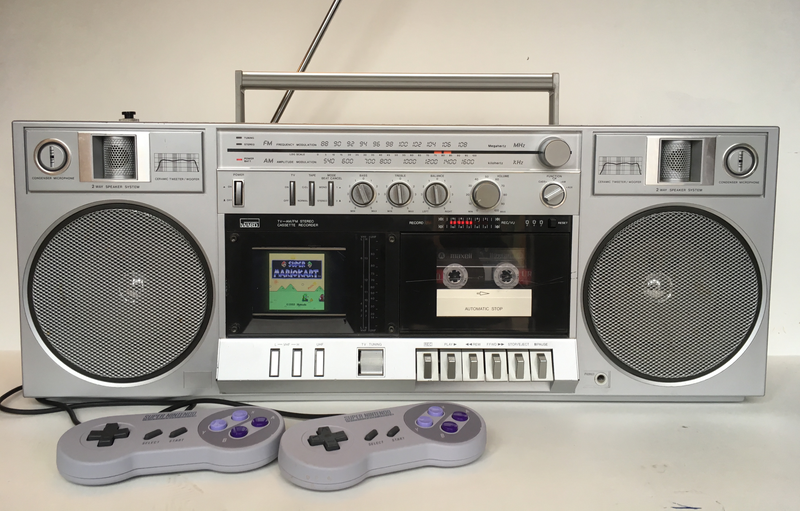Illustration for article titled Someone Turned An 80s Boombox Into An SNES Classic You Can Play On The Go