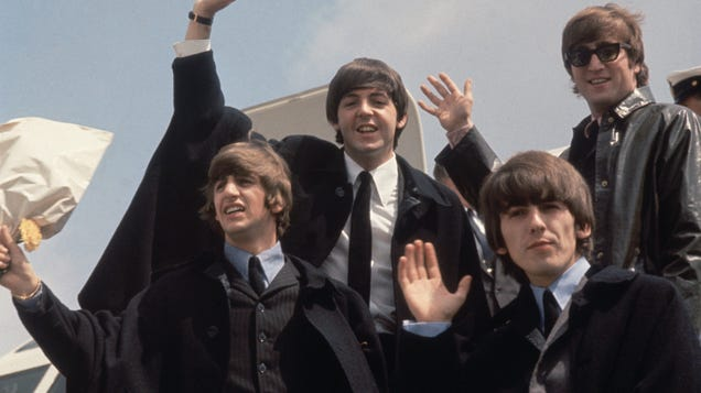Some Beatles fans got together to recreate an iconic 1964 photo of them taken by Ringo Starr