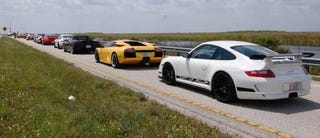 Illustration for article titled Gaggle of Supercars Set Loose On I-75 In Florida