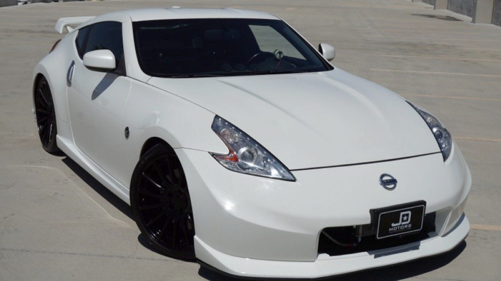 at 27 995 could this 2013 nissan 370z nismo have you rebel yelling mo mo mo. Black Bedroom Furniture Sets. Home Design Ideas