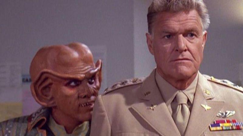 """Illustration for article titled Star Trek: Deep Space Nine: """"Little Green Men""""/""""The Sword Of Kahless"""""""