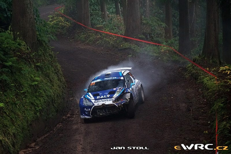 Illustration for article titled Rally photos of the day