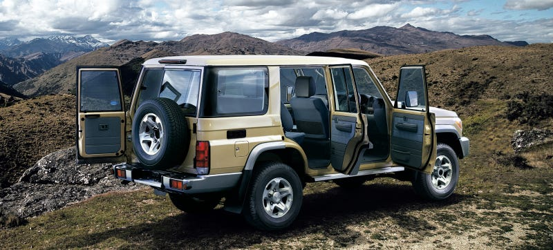Illustration for article titled Toyota Is Re-Releasing The Land Cruiser 70 In All Its 1980s Glory