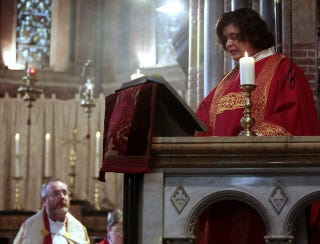 Illustration for article titled Female Priests Defy Rules, God