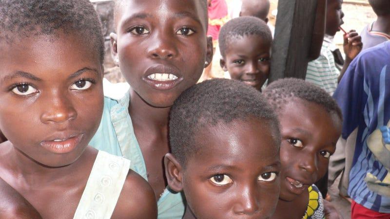 Illustration for article titled Ingyenpénz afrikai gyerekeknek?