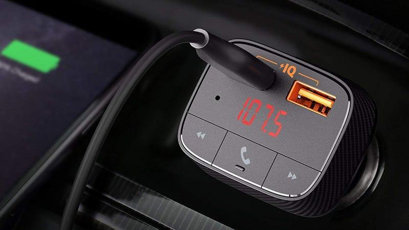 Cargador inteligente Anker SmartCharge F0 Bluetooth con transmisor FM   $13   Amazon   Usa el código VIVAFF22Foto: Amazon