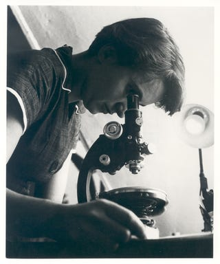 Illustration for article titled Happy Birthday, Rosalind Franklin, Kick-Ass Scientist!