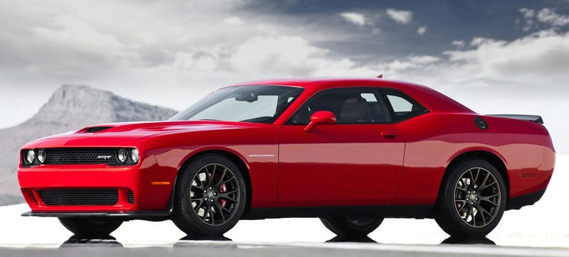 The Dodge Challenger Srt Hellcat Can Kill 1 5 Gallons Of Gas A Minute