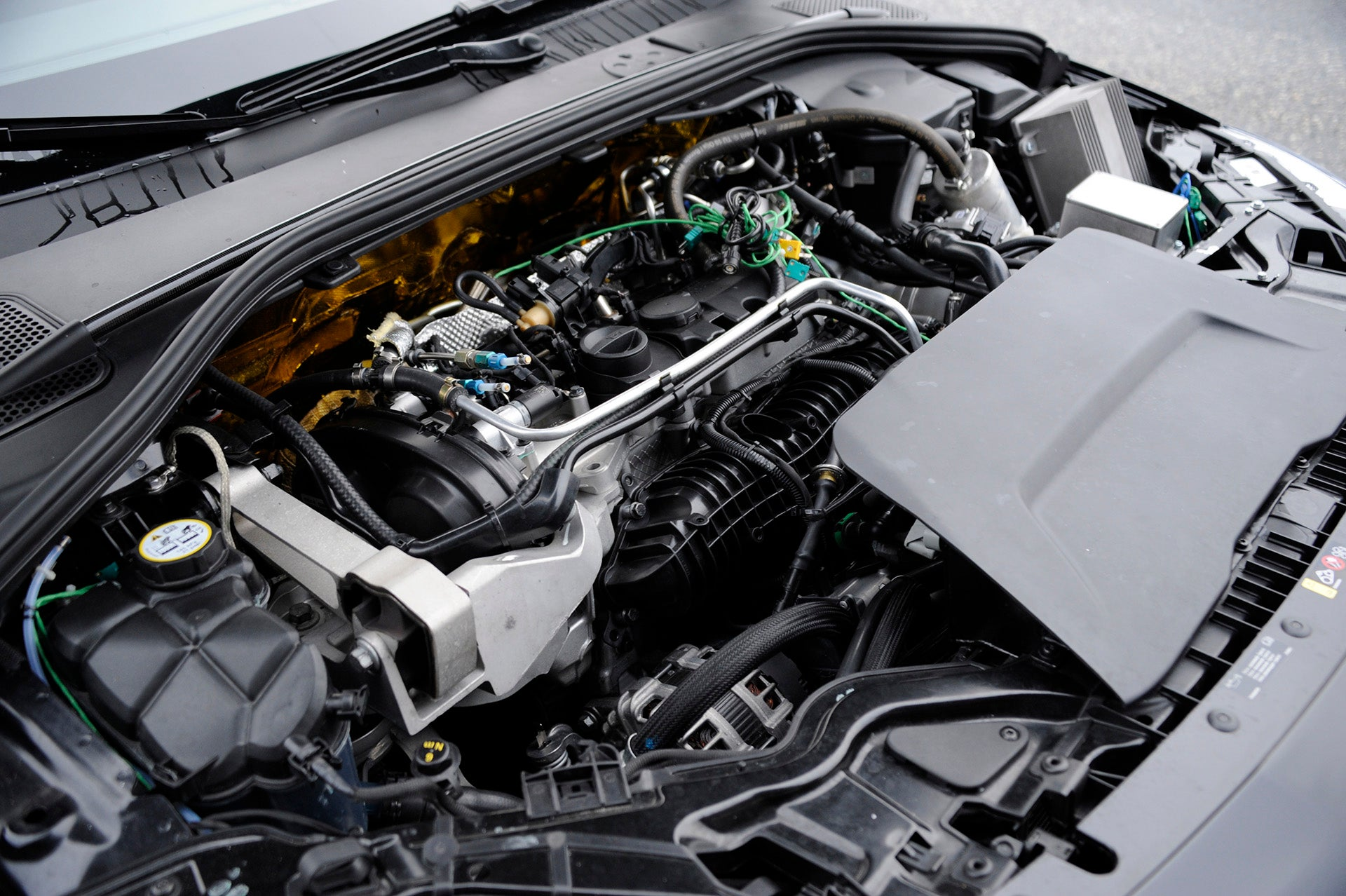 volvo reveals 450 hp four cylinder with electrically driven turboVolvo Reveals 450hp Fourcylinder With Electricallydriven Turbo #12