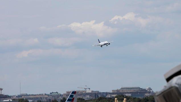 TSA Asks Travelers to Stop Attacking Officers, Restarts In-Flight Combat Training