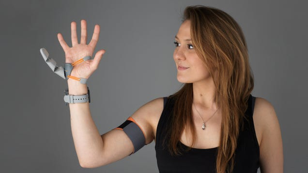 Like  A Part of Their Body : People Adapt to an Extra Thumb in Fascinating Experiment