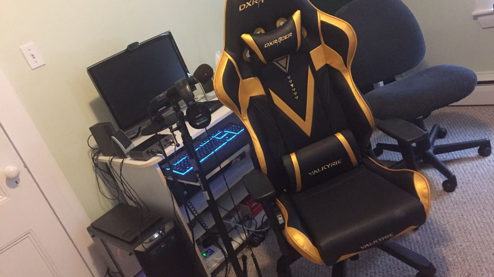 My Hideous, Comfortable Gamer Chair Fills Me With Existential Dread