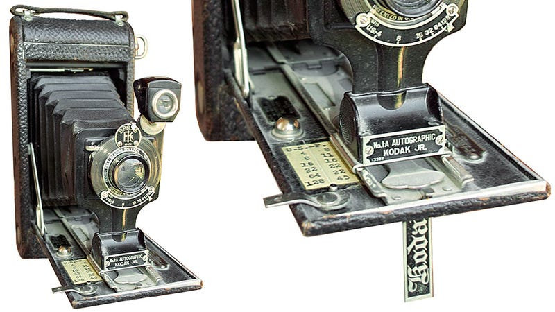 Illustration for article titled This Ancient Kodak Camera Let Photographers Sign Their Work