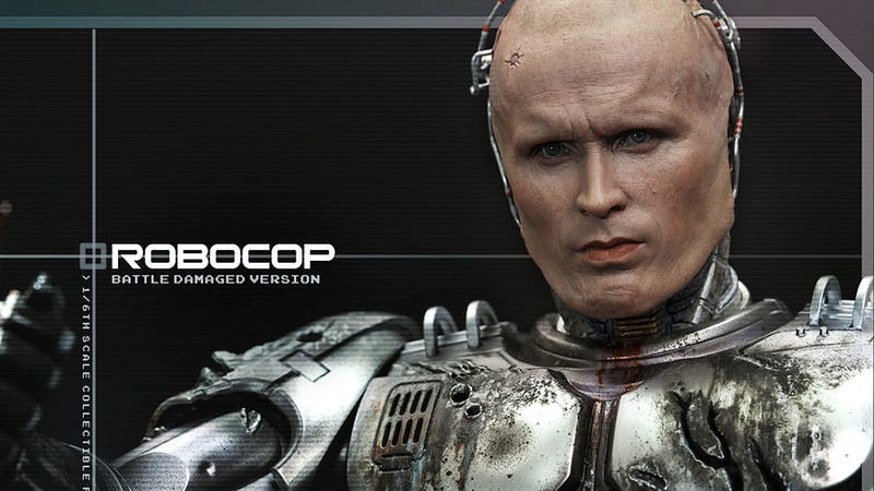 Illustration for article titled Hot Toys' Battle-Damaged RoboCop Figure Might Be Too Detailed