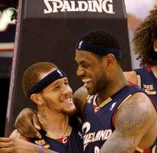 Lebron james mom dating delonte west