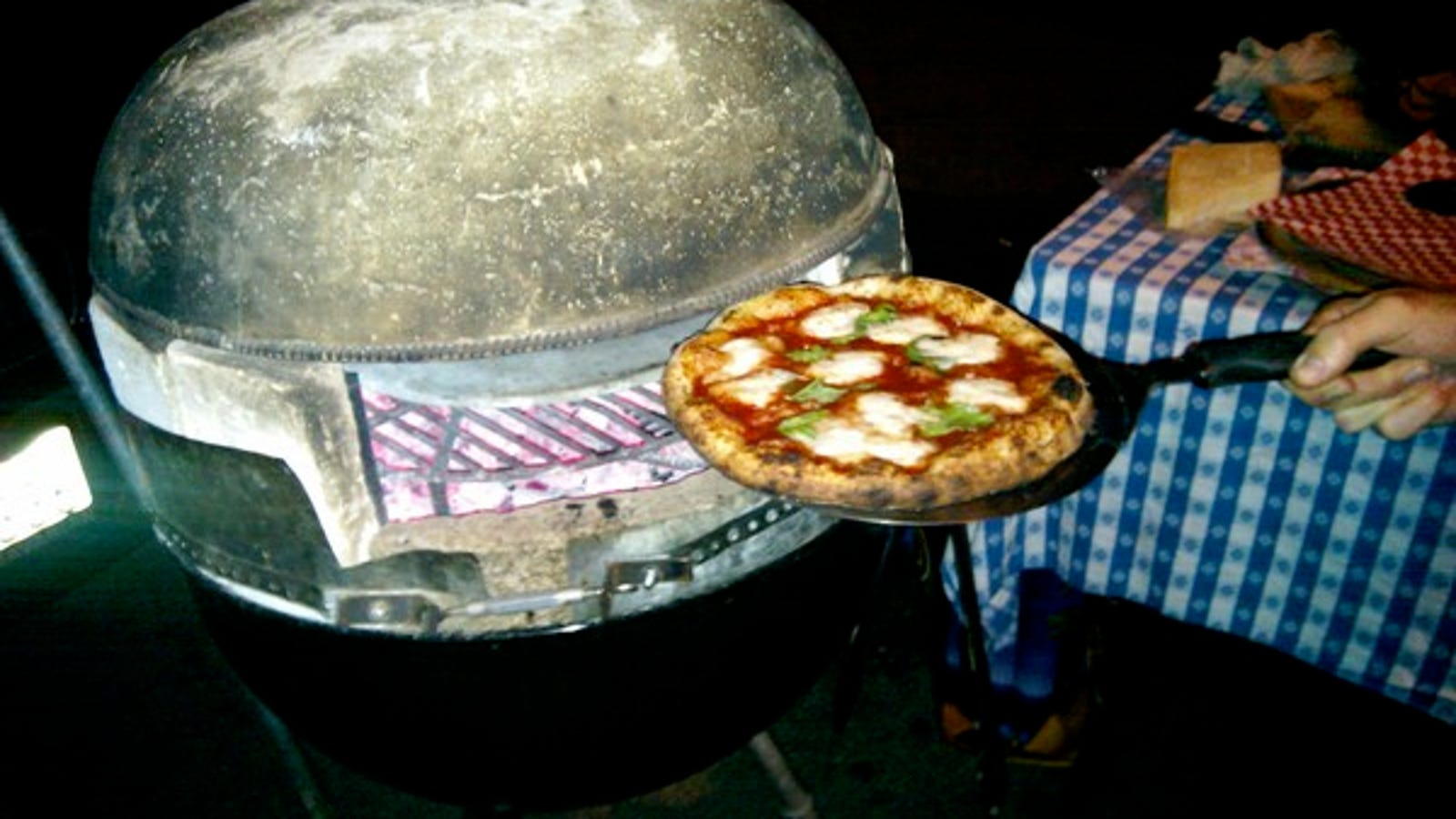 Diy kettle bbq pizza oven