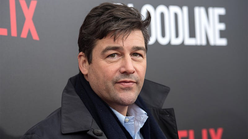 Illustration for article titled 'It Was An Honor To Teach The Younger Actors On Friday Night Lights How To Rack Up Millions Of Dollars In Credit Card Debt By Buying Speedboats': 5 Questions With Kyle Chandler