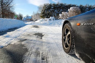 Illustration for article titled The Snowpocalypse As Seen From A Honda S2000: All-Wheel Drive Is For Pansies