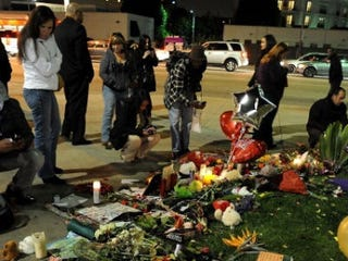 Mourners gather in Los Angeles (Valerie Macon/Getty Images)