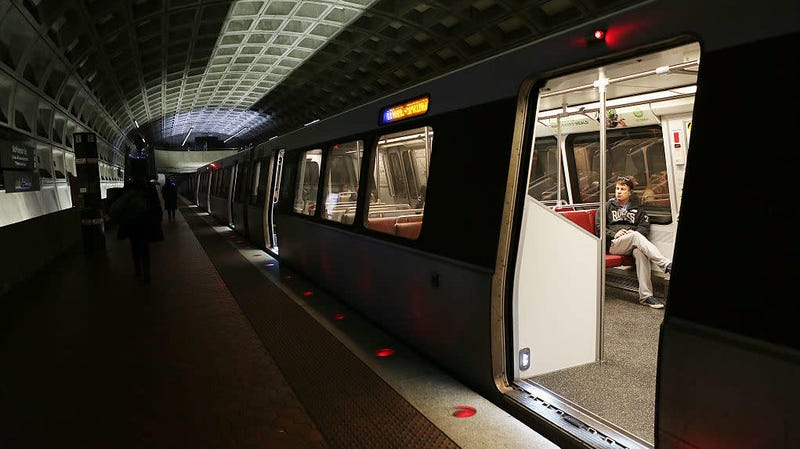 Illustration for article titled A Writer Who Shamed a D.C. Metro Worker for Eating on the Train Could Lose Publishing Deal