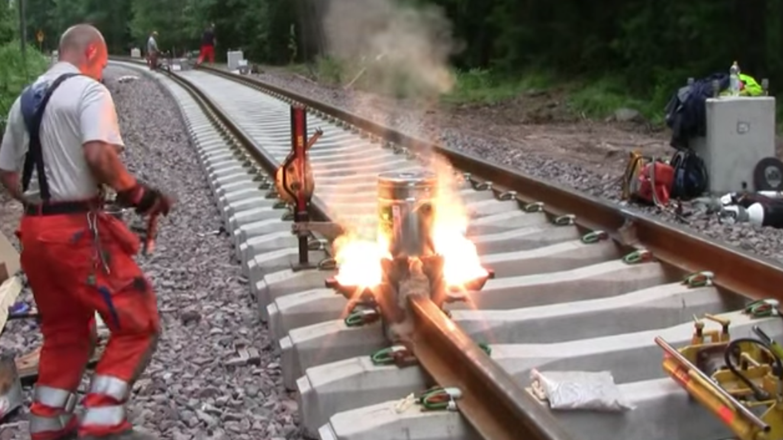 Different Types of Welding Processes: The Ultimate Guide rail welding processes