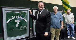 Illustration for article titled Jeremy Giambi May Want To Crash On Your Couch, Just For The Night