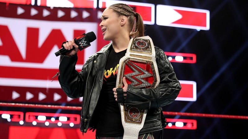 Illustration for article titled Ronda Rousey Is Highlighting WWE's Problems With Breaking The Fourth Wall