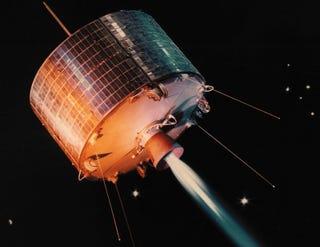 Illustration for article titled Robot Repair Team Keeps Satellites Spinning