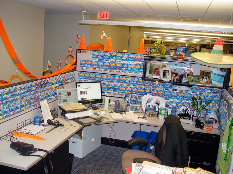 Excellent Office Halloween Cubicle Decorating ContestChallenge Accepted