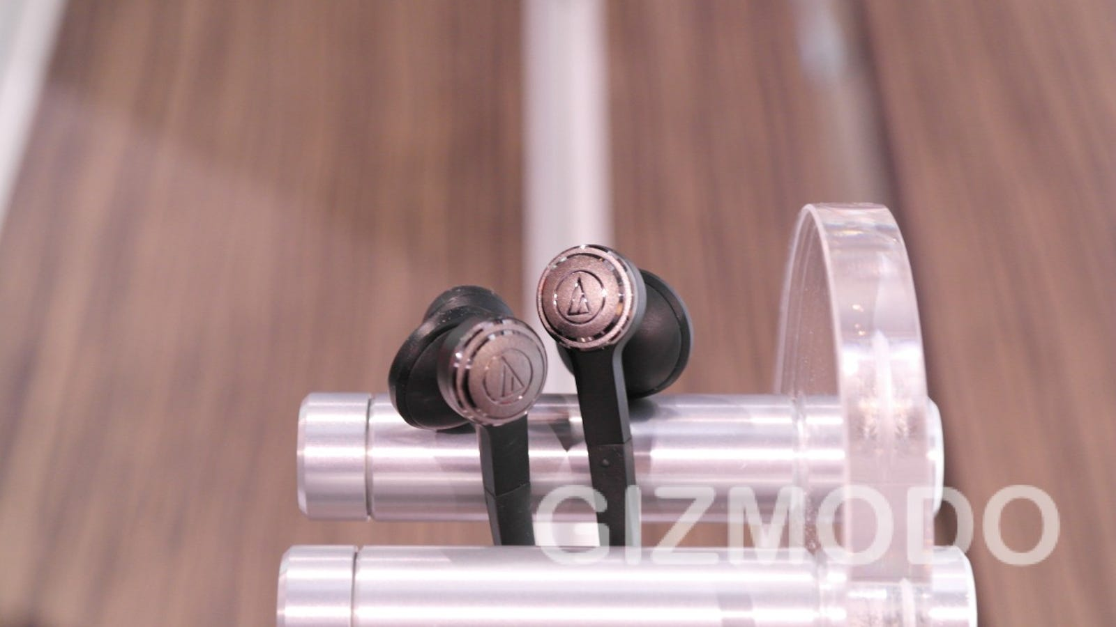 cute retractable earbuds