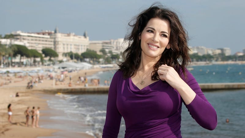 Illustration for article titled Photos Show Nigella Lawson's Husband Apparently Choking Her in Public