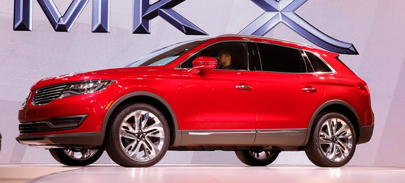 Illustration for article titled The 2016 Lincoln MKX Isn't The Lincoln We Wanted, But It's Something