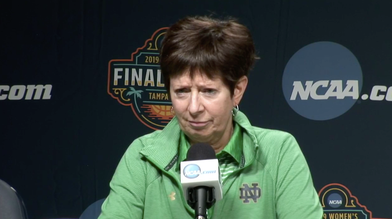 Illustration for article titled Reporter Asks Muffet McGraw Dumbass Question About Her Relationship With Geno Auriemma