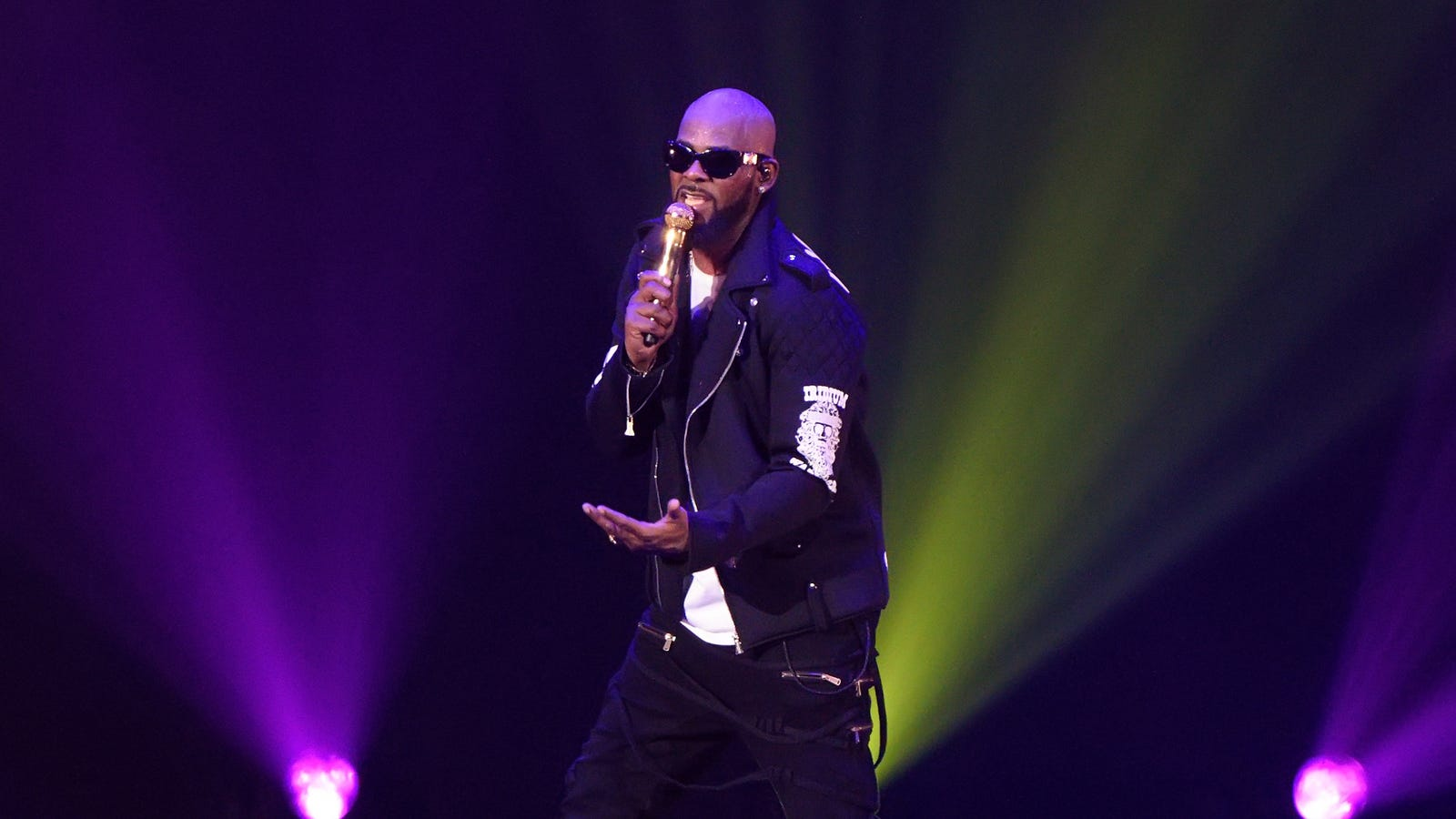 Facebook shuts down page seemingly dedicated to harassing R. Kelly accusers