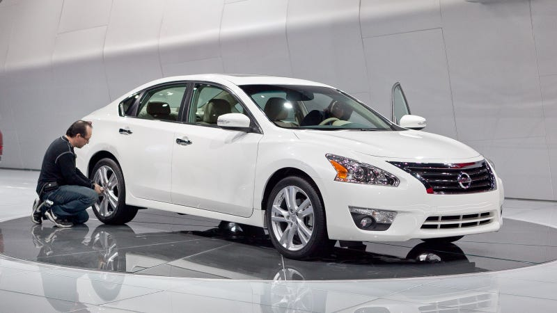 Illustration for article titled 2013 Nissan Altima: Live Photos