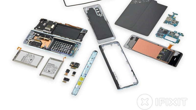 Illustration for article titled Samsung Galaxy Fold Teardown Offers More Clues On Why The Phone Is Malfunctioning