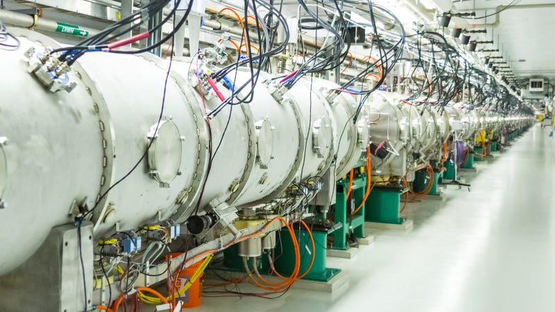 SNS (Image: Oak Ridge National Laboratory, US DOE, Genevieve Martin)