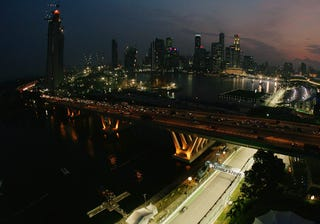 Illustration for article titled Singapore F1 GP At Night