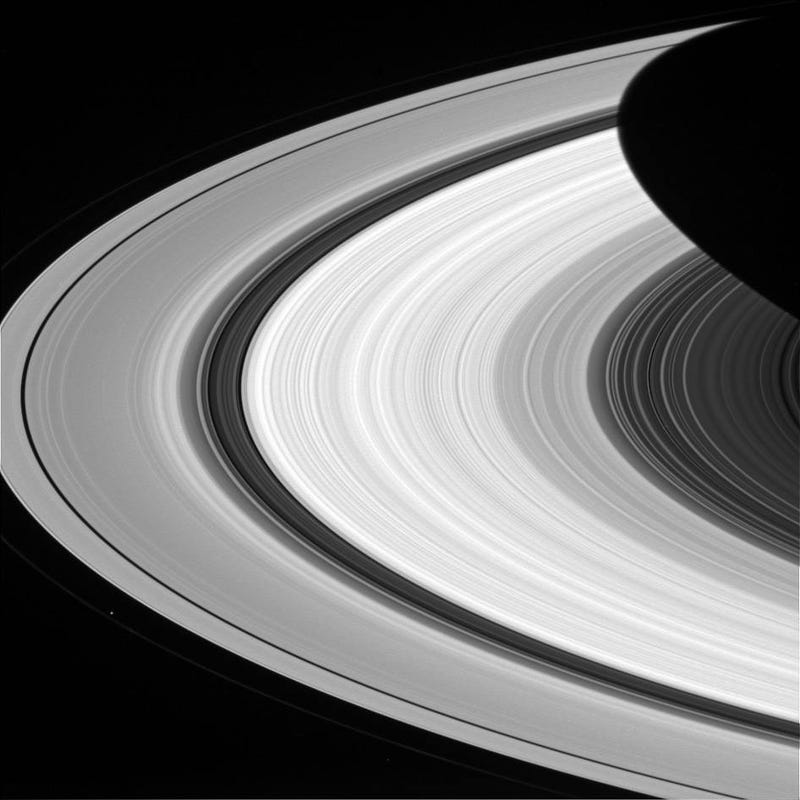 Illustration for article titled How Many Rings Do You See In This Image of Saturn?
