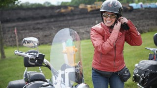 Illustration for article titled Pig Castrator Joni Ernst Hosted a Motorcycle Rally for GOP Hopefuls