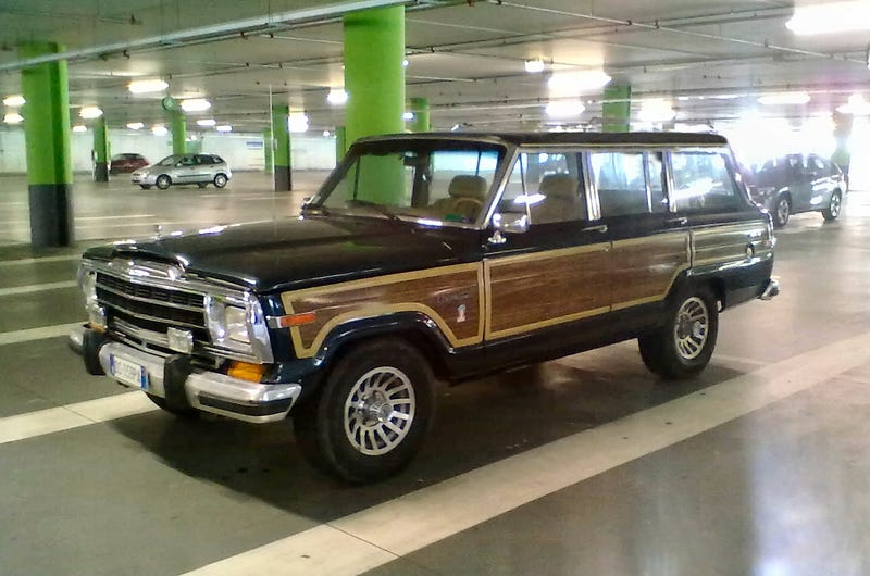 Illustration for article titled FITNDZOTMUP (Found In The No-Dents Zone Of The Mall Underground Parking): 1991 Jeep Grand Wagoneer...
