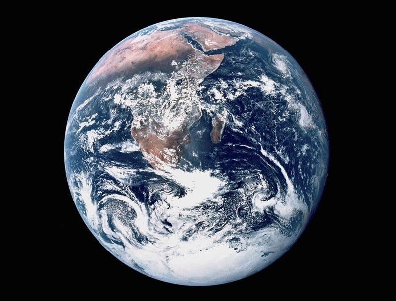 La NASA toma una nueva foto de toda la Tierra despus de 43 aos