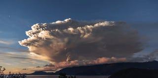 La imponente erupción del volcán Calbuco en Chile grabada en 4K