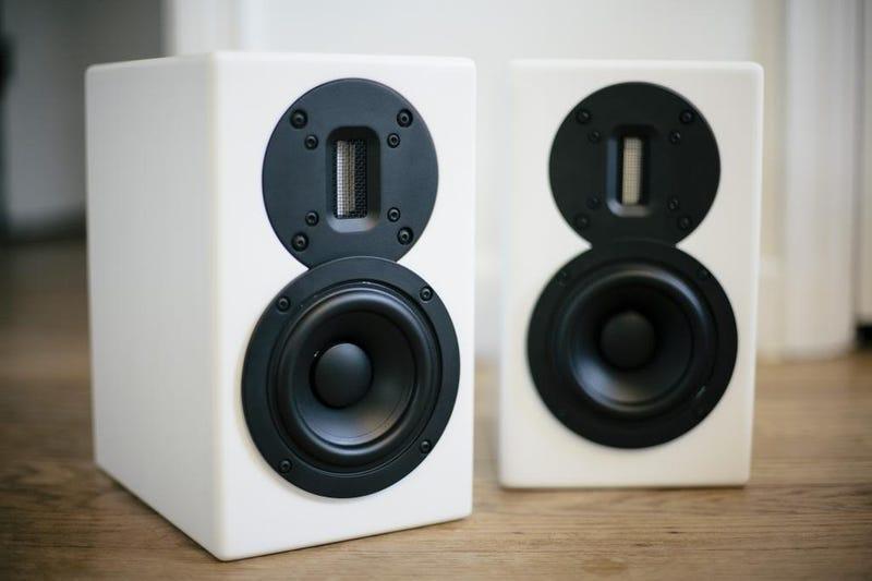Illustration for article titled Speakers Speakers Speedsters
