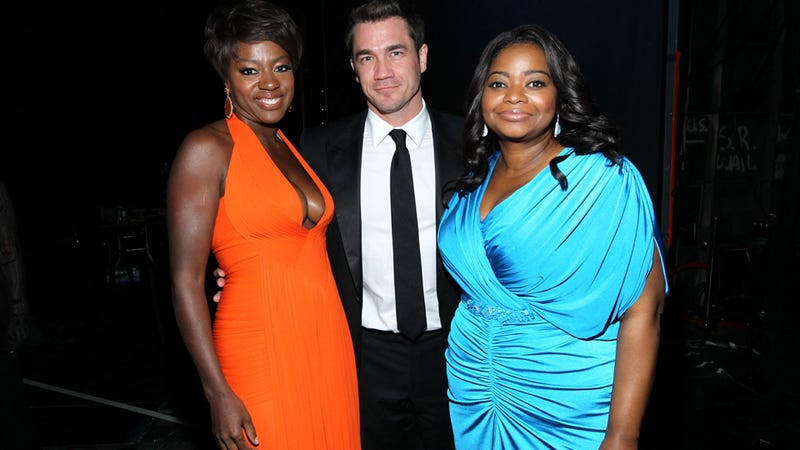 Illustration for article titled Octavia Spencer and Viola Davis Get By With a Little 'Help' From Their Friends