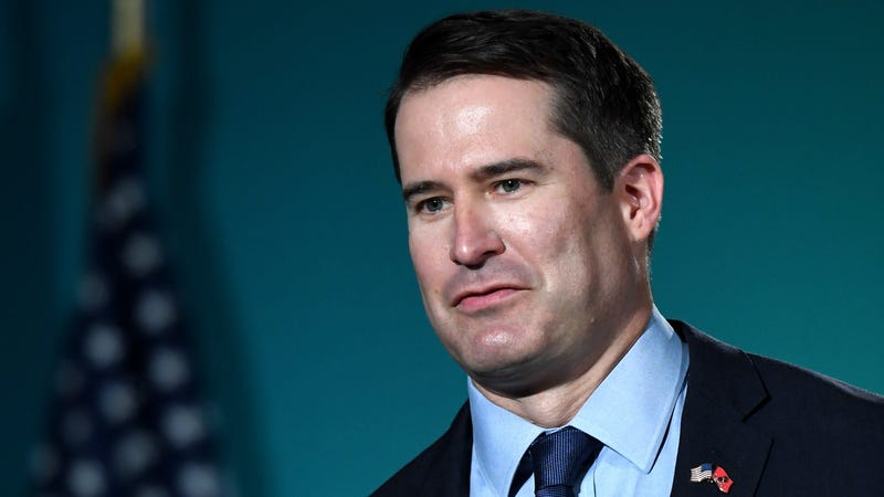 Did Seth Moulton Drop Out of the Presidential Race Because Elizabeth Warren Bailed on His 2017 Wedding?