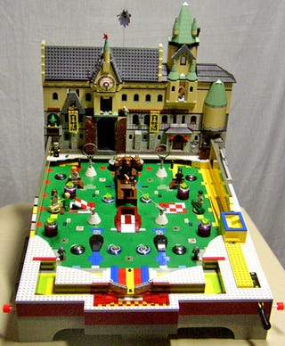 Illustration for article titled Medieval Pinball Machine Made out of Lego
