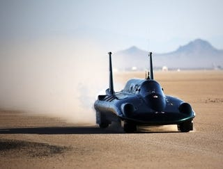 Illustration for article titled British Steam Car Powers Past 127MPH Record, Unofficially