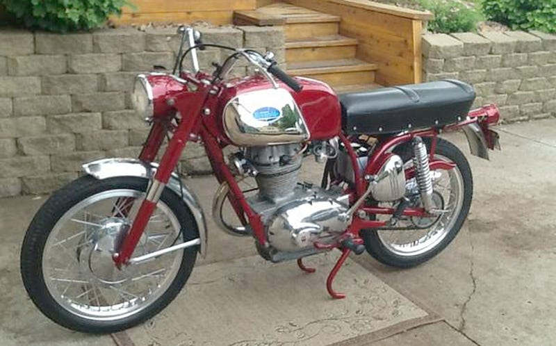 Illustration for article titled Might You Go $4,500 For This Beautiful 1968 Benelli/Wards Riverside 350?