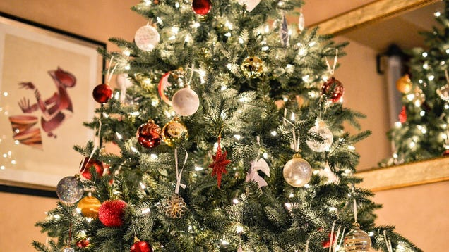It's up to you to decide whether you want a real Christmas tree or an  artificial one, but it's up to the experts to decide the best stand or  artificial tree ... - The Best Artificial Christmas Trees, Stands, And Lights For 2016